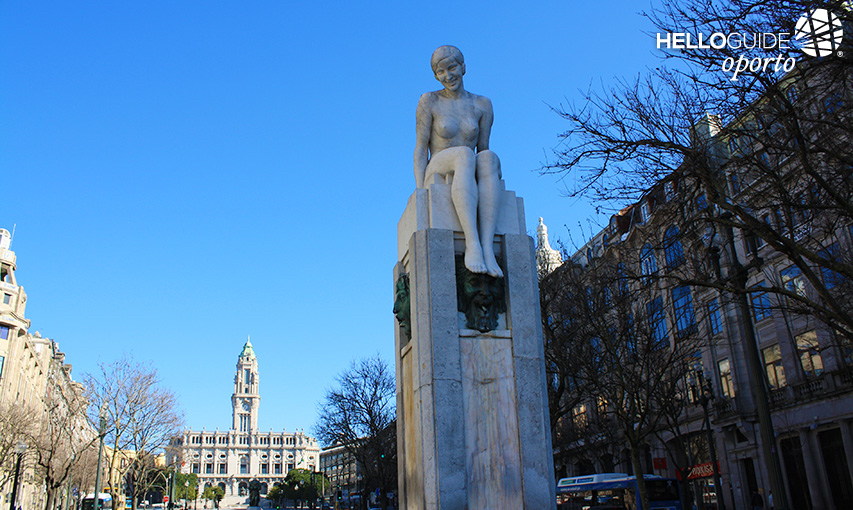 Statue of naked girl