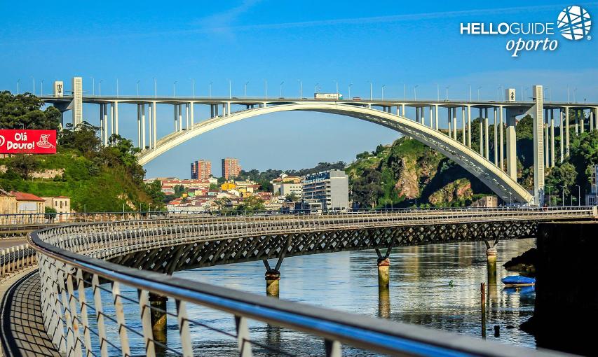 Puente de arr bida 2015 12 09 la foto for Oficina turismo oporto