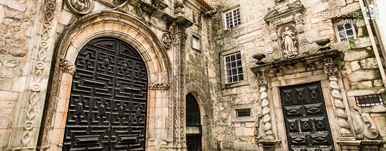 Iglesia de santa clara for Oficina turismo oporto